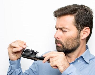 تساقط الشعر للرجال.jpg