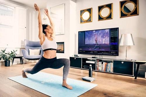 ممارسة اليوغا اثناء الحجر الصحي المنزلي.jpeg
